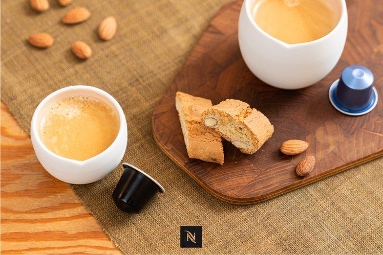 ORIGIN Espresso 雙層陶瓷杯組(售價780元)。圖/Nespres...