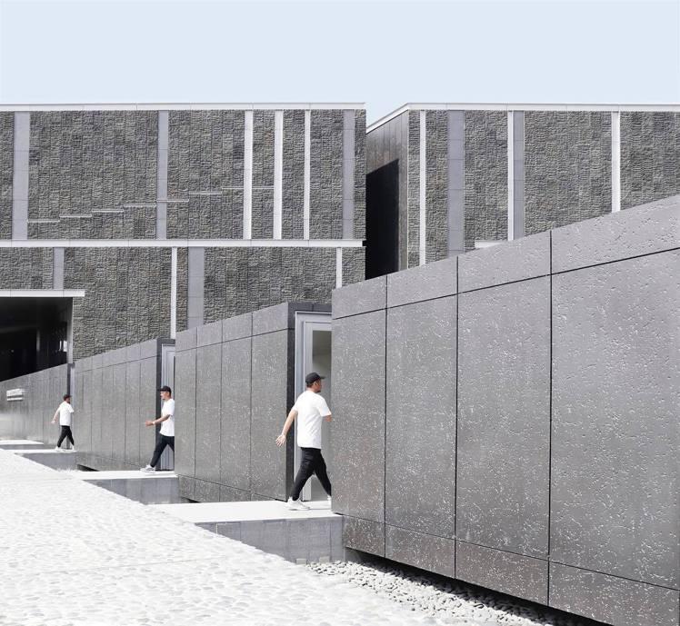 「國立台灣史前文化博物館南科考古館」不管從空拍或遠眺看起來都十分神似魔術方塊。圖...