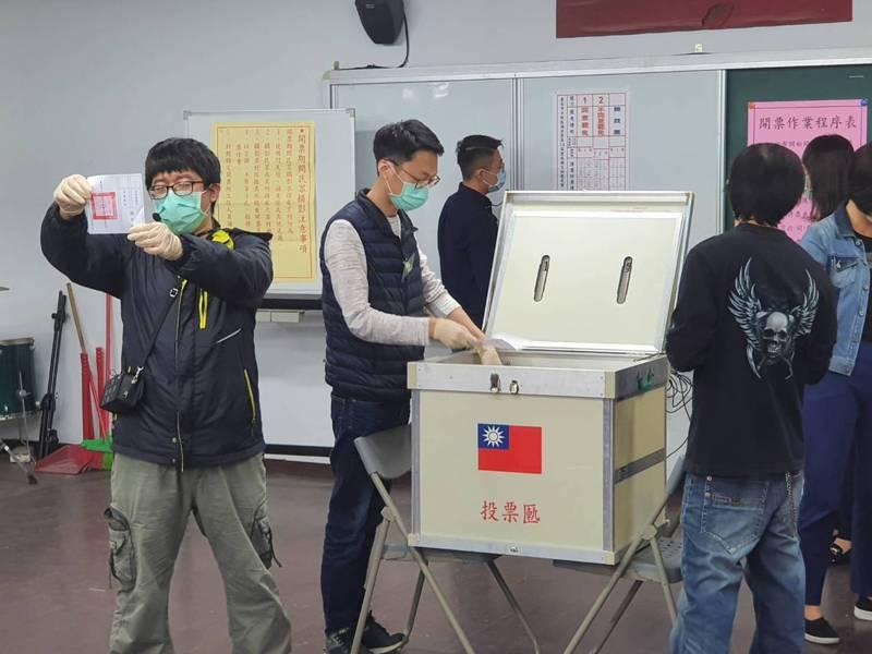台北市社子島、士林區福安里長謝文加罷免案,今天投票。記者楊正海/攝影