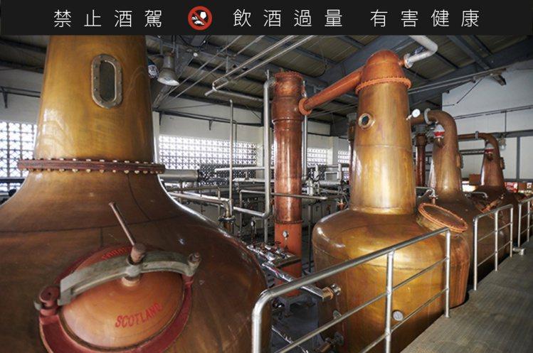 位於南投的OMAR威士忌蒸餾廠,自2008年開始建廠試車小型量產。圖/摘自南投酒...