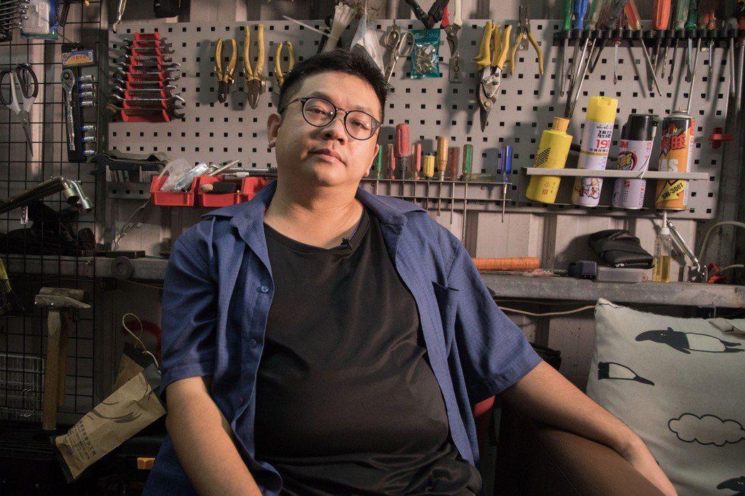 工人作家林立青身懷做工和寫作雙重絕技,他填寫聯合報系願景工程推出的「退休準備指標...