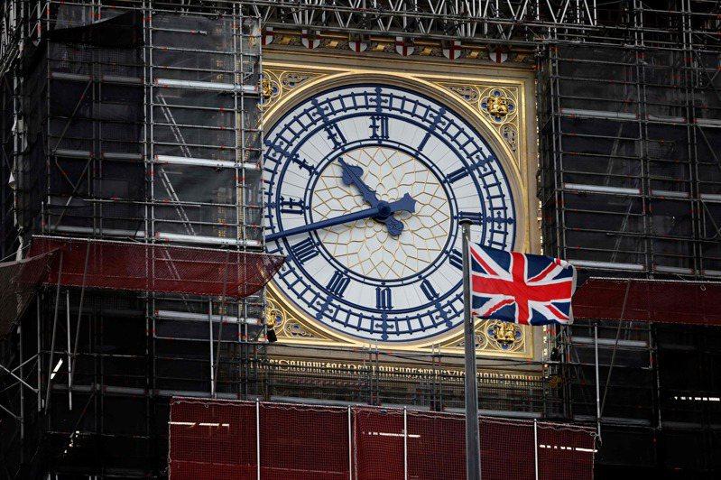 一面英国国旗13日在伦敦大笨钟前飘扬。图/法新社(photo:UDN)