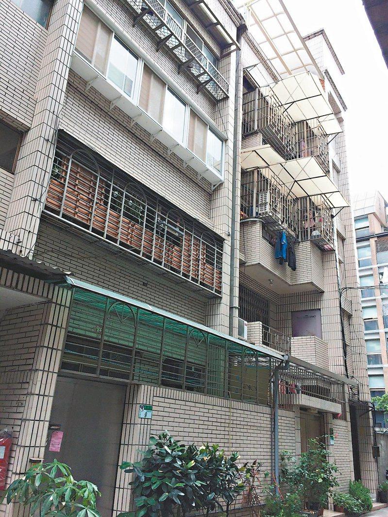 大安區的「旭大華廈」,為申請增設電梯獲准百萬補助款的社區之一。圖/北市更新處提供