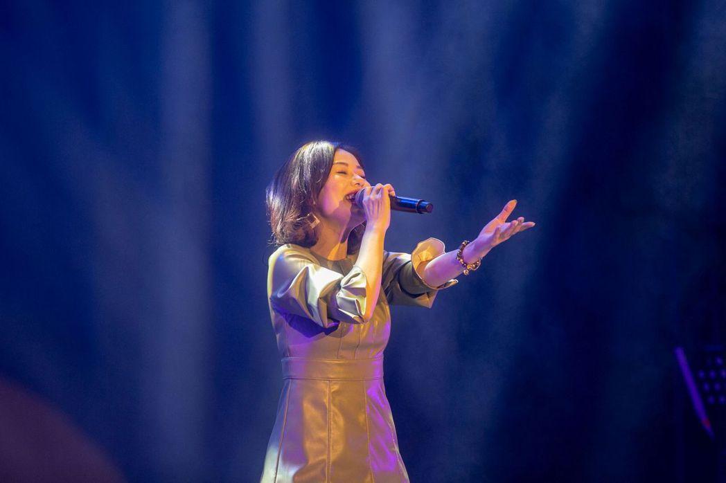 第1屆客家金曲獎最佳女演唱人劉平芳演出相當精彩。圖/典選音樂提供
