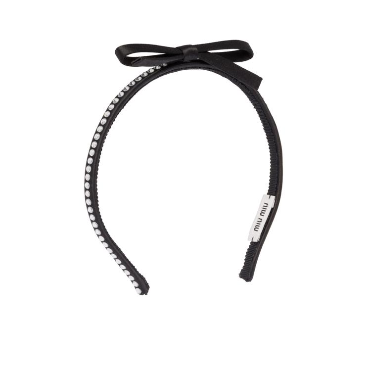 水晶蝴蝶結髮箍,8,200元。圖/Miu Miu提供