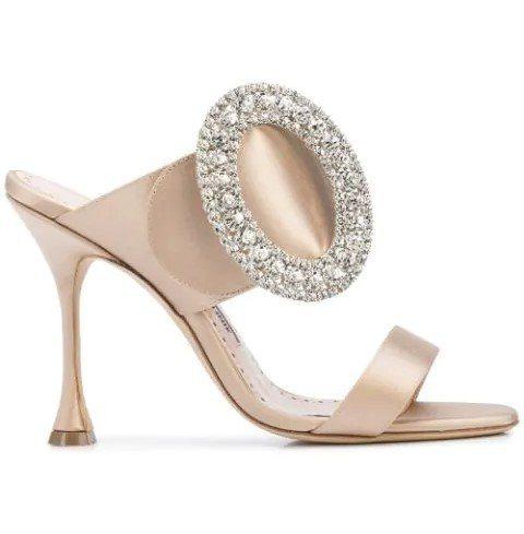鑽飾高跟鞋,42,800元。圖/Manolo Blahnik提供