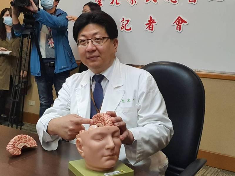 李宜中表示,NOTCH3基因突變會造成遺傳性腦部小動脈血管病變。記者楊雅棠/攝影