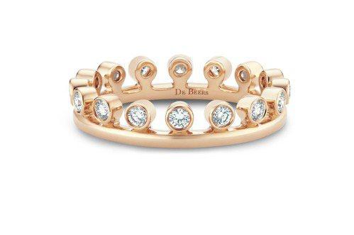 DE BEERS Dewdrop 18K玫瑰金單行鑽石戒指,66,000元。圖/...