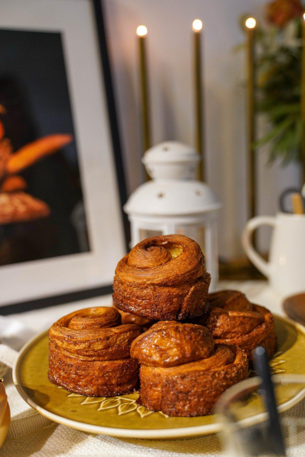 藏身小巷間的Purebread Bakery,肉桂捲常常開賣就搶購一空。 圖/C...