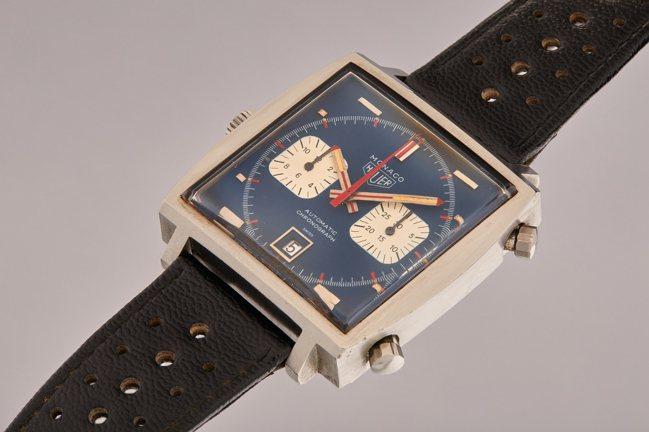 賽車巨星史提夫麥昆曾於電影中配戴的豪雅經典「Monaco」腕表以220萬美元成交...