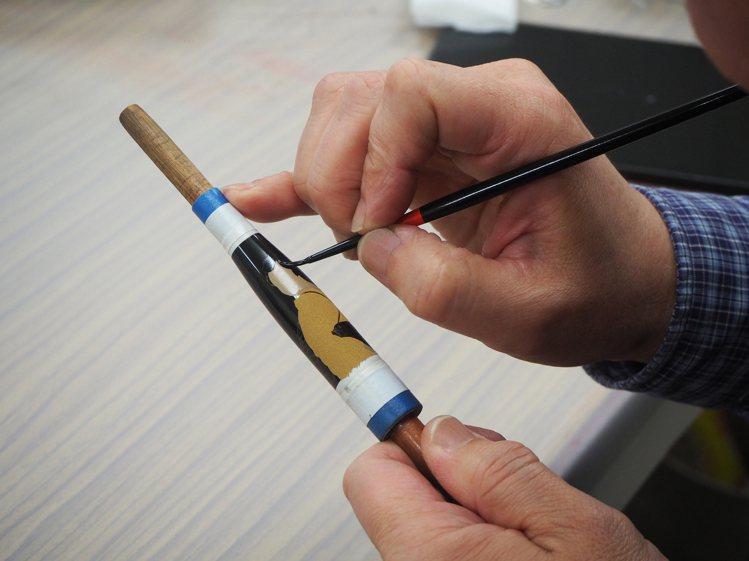 由千總負責圖像設計、萬寶龍匠師負責繪製的這款限量鋼筆,是兩大品牌的攜手之作。圖 ...