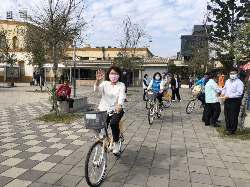 嘉義市長黃敏惠說,Youbike首波40站點正式營運,前30分鐘免費。記者李承穎/攝影