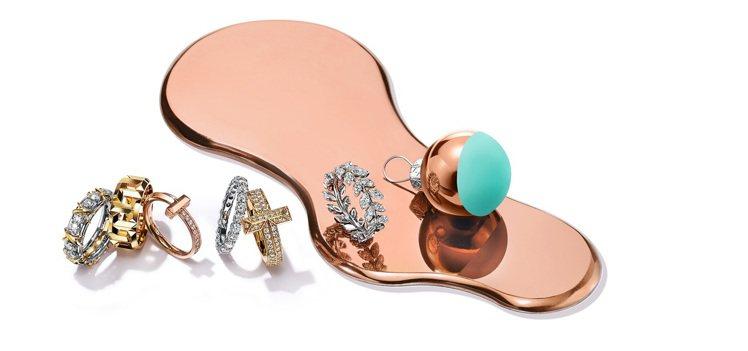 Tiffany鑲鑽戒指與T系列K金戒指,56,000元起。圖/Tiffany提供