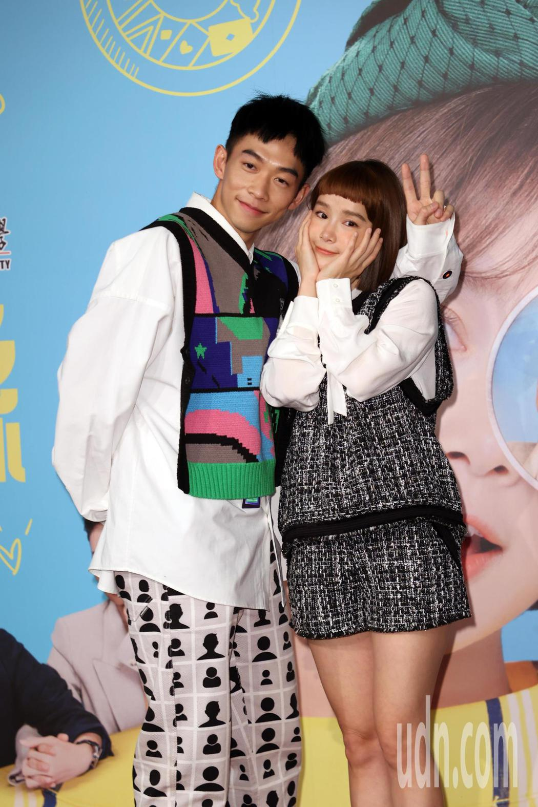 三立新戲「愛不愛栗絲」記者會,演員李佳穎(右)、王可元(左)等人出席。記者曾吉松