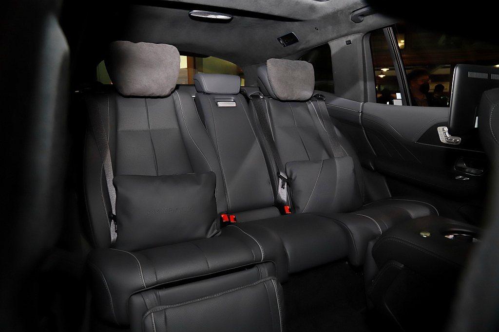 Mercedes-Maybach GLS 600 4MATIC後座可自由選擇寬闊...