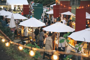 木柵小廢墟「2020河邊耶誕節」登場:齊聚逾25個跨領域品牌,在後院草地理髮刺青、享受車庫BBQ派對