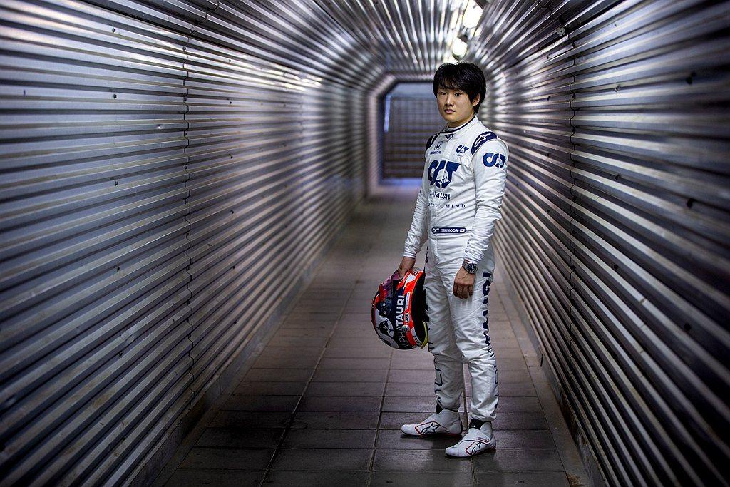 角田裕毅最近在伊莫拉(Imola)的安佐與迪諾•法拉利賽道進行測試,駕駛一輛20...