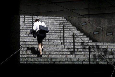 新井一二三/日本#KuToo運動:高跟鞋與職場的性別歧視