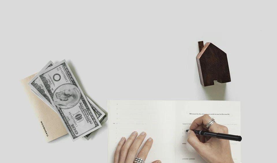 定期檢視自己的成效,了解自己是否有確實執行財務規劃,以確保自己能達成累積財富的最...