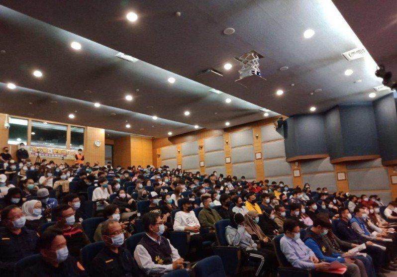 雲林縣警局上月至今日陸續在縣內三所科技大學舉辦校安講座,參與師生熱絡,幾乎場場爆滿。記者陳苡葳/翻攝