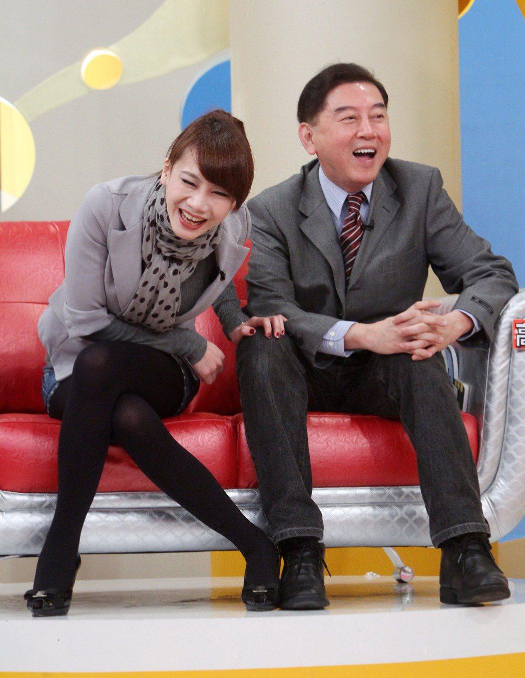 高國華(右)、陳子璇(左)曾一同參加節目錄影。(圖/報系資料照)