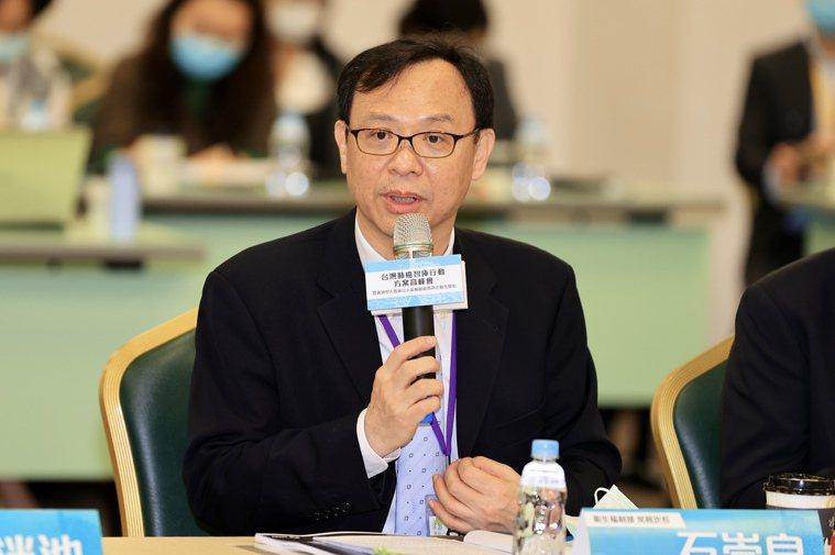 衛福部次長石崇良指出,肺癌是十大癌症之首,也一直是國家癌症防治計畫的重點任務。記...
