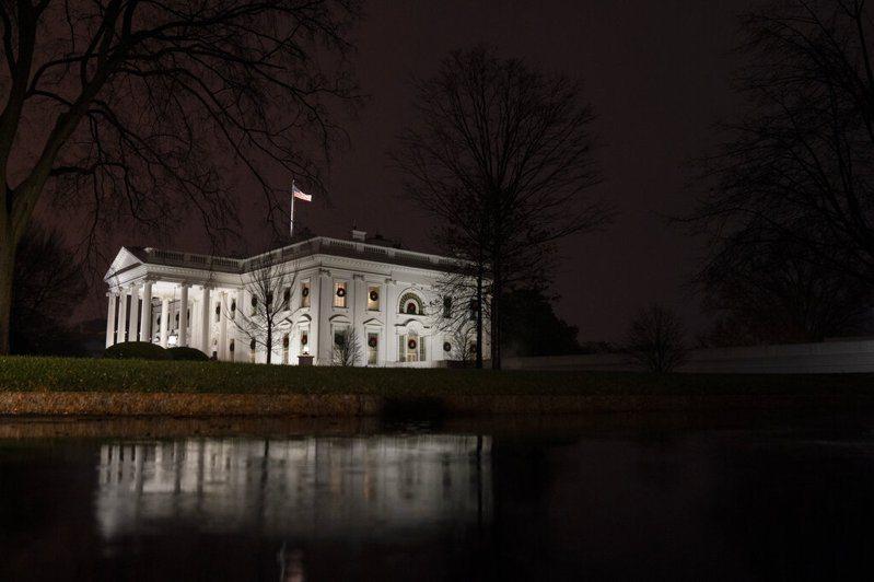 美国政府今天证实,政府部门网路最近遭到骇客入侵而受创,网攻「情节重大且仍在进行中」。美联社(photo:UDN)