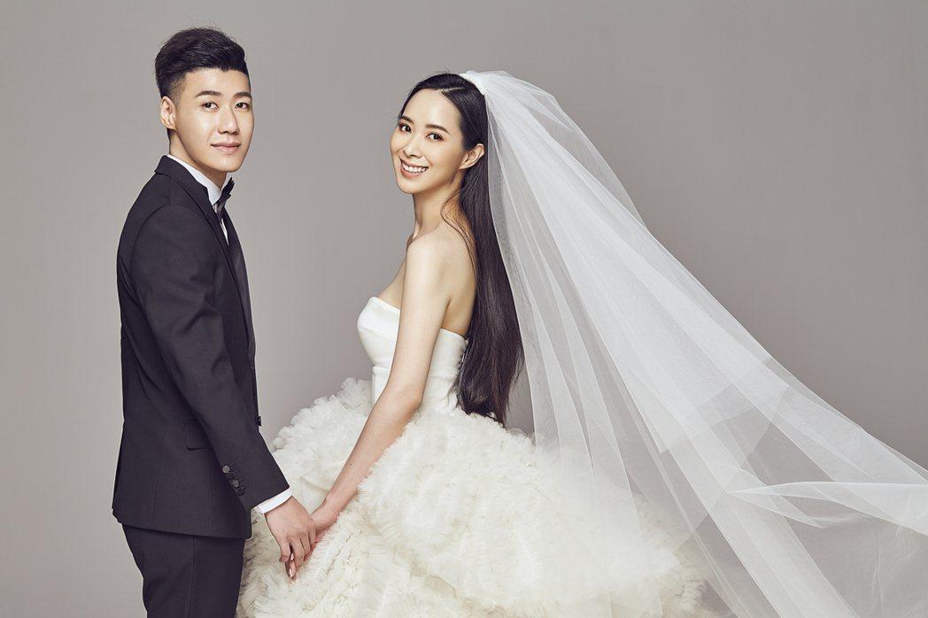 香蜜拉和老公一起甜蜜拍婚紗。圖/Nicole +Felicia提供