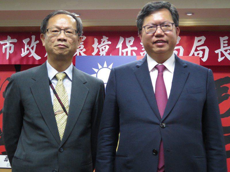 面對水肥爭議,桃園市環保局長呂理德(左)認為台北市長柯文哲發言不厚道。本報資料照