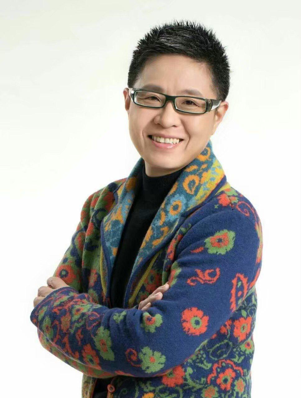丁曉雯擔任「星火原創音樂大賽」音樂領航員。圖/星火映畫提供
