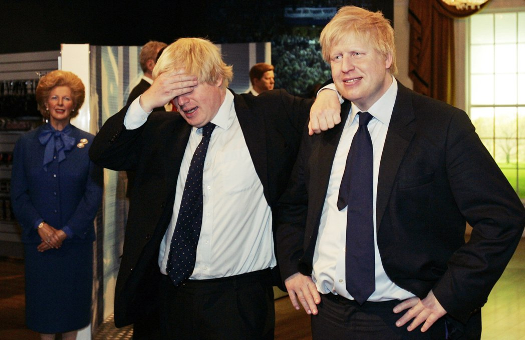 「人前人後,強顏歡笑。」2021年將會是強生實現歷史定位的一年,問題是現在的英國...
