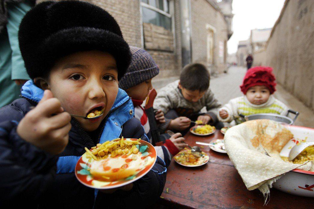 在中國政府的眼中「如果沒有經濟發展和桌上的食物,權利並沒有多少意義。」換言之,在...