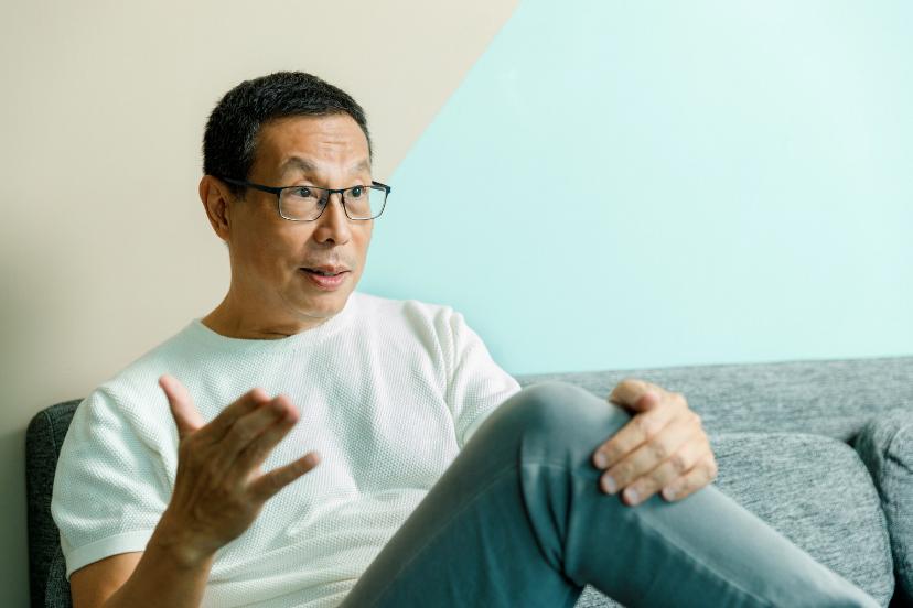 田臨斌45歲時就離開令人稱羨的工作,展開退休生活,身分轉變為旅遊家、作家,甚至還...