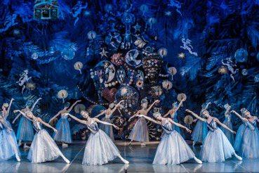 「關到乾淨」有用嗎?莫斯科芭蕾舞團確診的幾個爭議