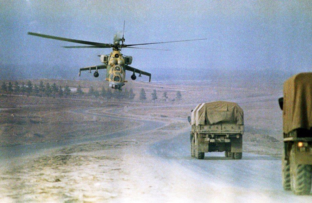 美蘇SALT II條約簽字半年後,蘇聯入侵阿富汗。 圖/美聯社