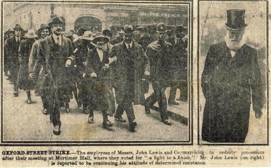 當時一家未具名報紙的報紙刊登1920年的罷工狀況,左邊是上街的罷工者,右邊是老約...