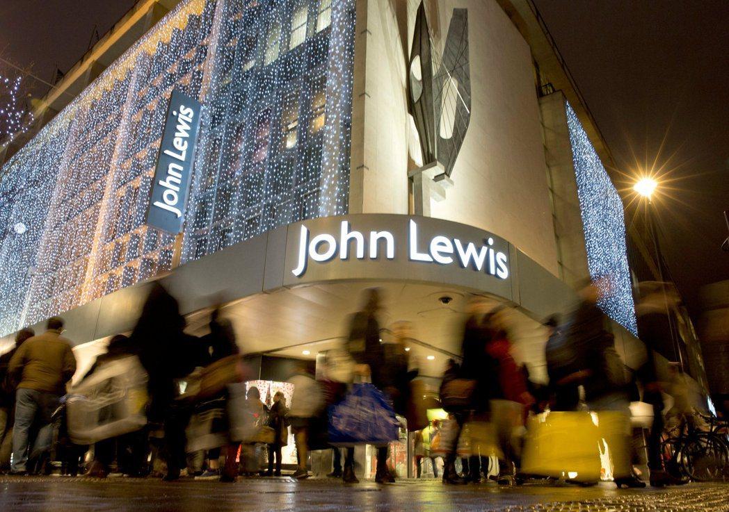 約翰路易斯百貨號稱「中產階級購物聖地」,透過回顧這家百貨公司的歷史,彷彿也見證...