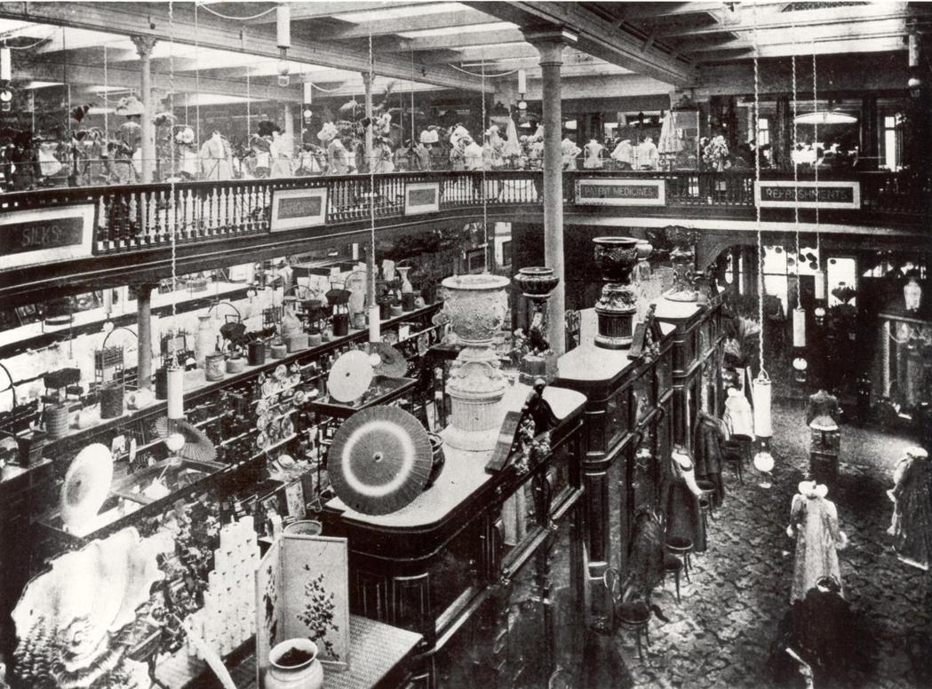 圖為1899年約翰路易斯內部裝潢。 圖/John Lewis Memory ...