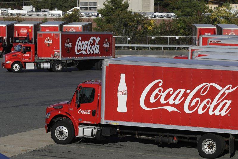 疫情影響銷售,可口可樂將在全球裁減2200個工作機會。美聯社