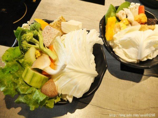 不論是全蔬菜菜盤或關東煮菜盤都給得很有誠意,兩者差別在於有無火鍋料