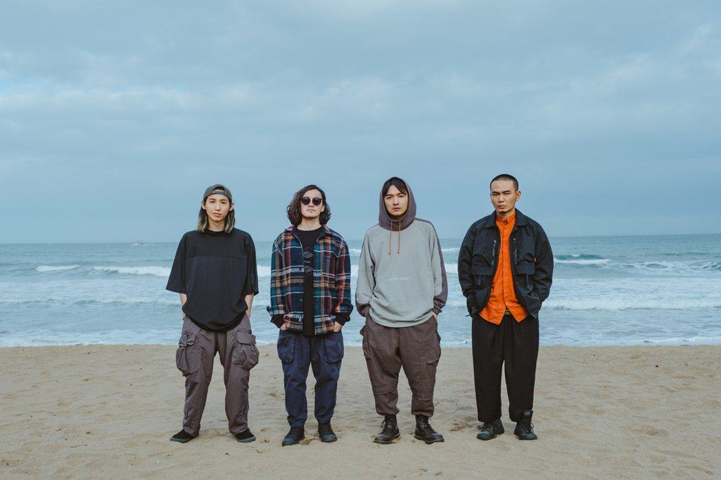 滅火器樂團推出第2張日盤專輯「Unsung Heros」。圖/火氣音樂提供