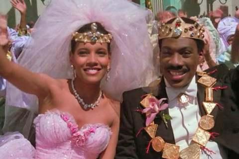 原本預計今年底要上映的「來去美國2」,是無數影迷期待多年的經典賣座大片續集,1988年的首集描述艾迪墨菲扮演的非洲小國王子,不滿意父母安排的婚事,想要自己尋找喜愛的女孩為妻,因此到了美國紐約的皇后區...