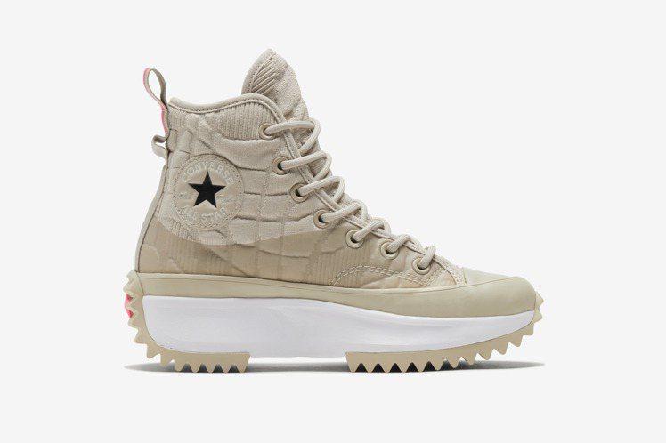 Converse Run Star Hike鞋3,680元。