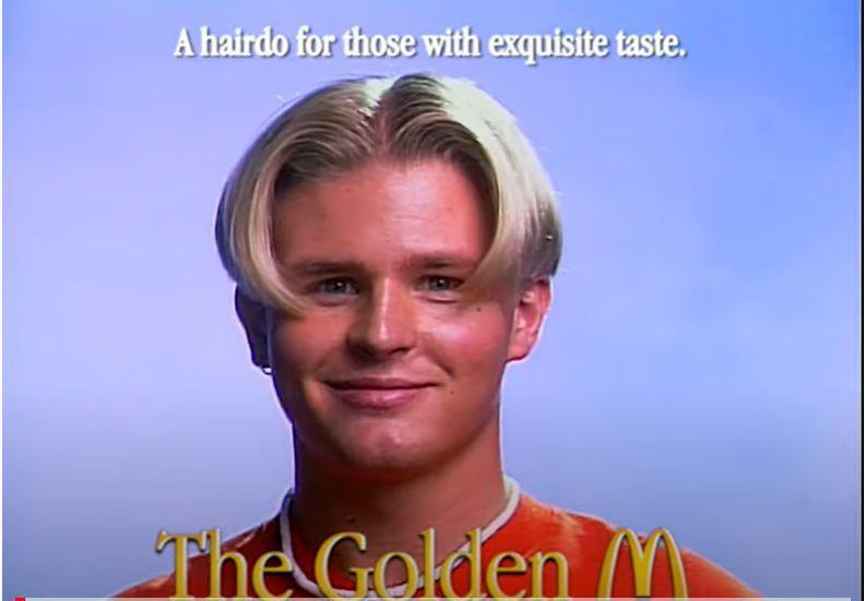 速食巨头麦当劳在瑞典首都斯德哥尔摩开了全球第一间理发厅「Golden M Barber Shop」,只剪一九九○年代曾风靡全球男性的中分「M字头」。(撷取自YouTube)(photo:UDN)