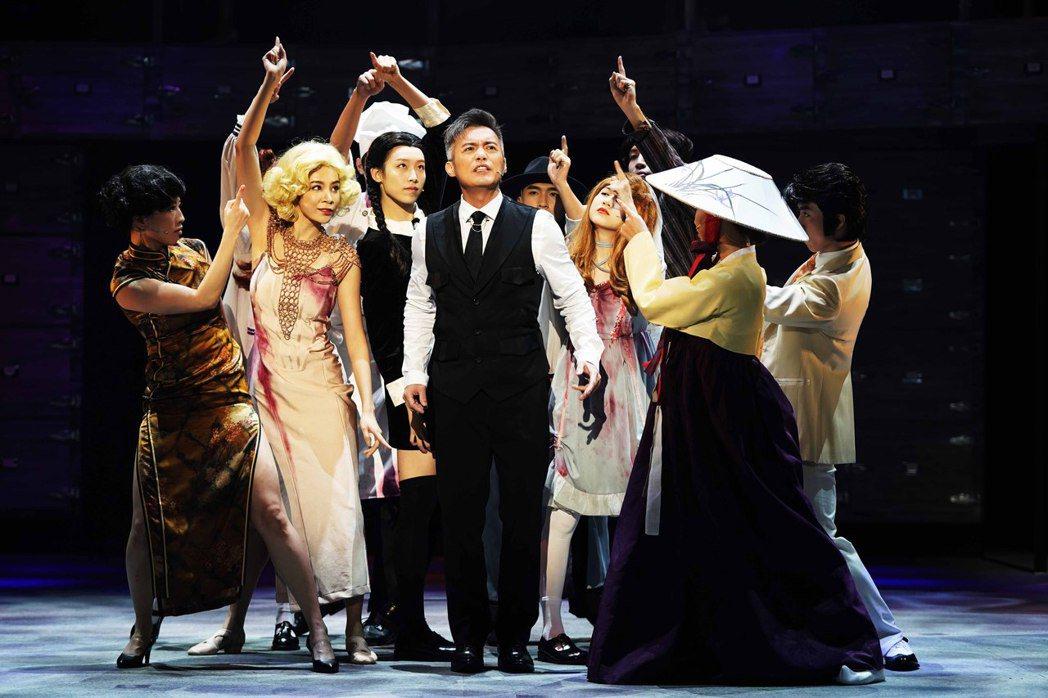 范逸臣演出音樂劇「你好,我是接體員」。圖/全民大劇團提供