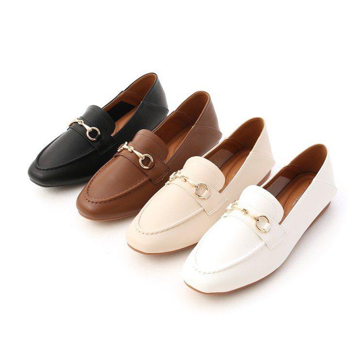 馬銜釦樂福鞋,880元。圖/D+AF提供