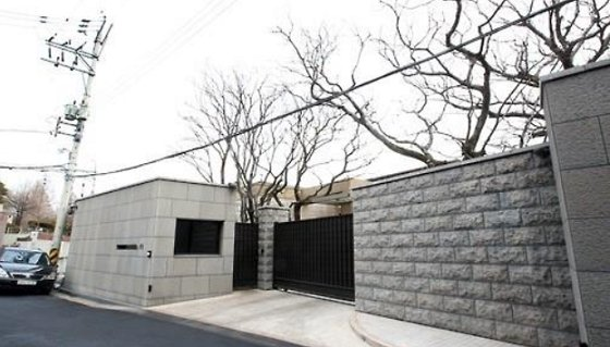 圖為南韓最貴的豪宅,位於首爾漢南洞,主人是三星集團李在鎔的姑姑李明熙。擷自韓聯社