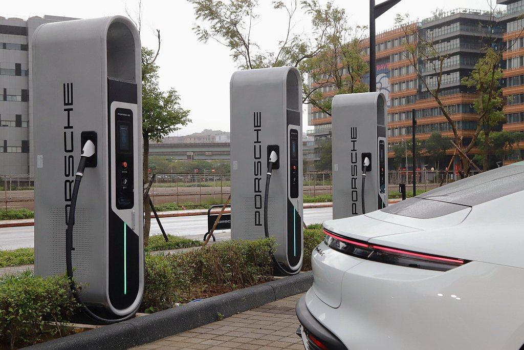 截至2020年12月為止Porsche Turbo Charging(快速充電系...
