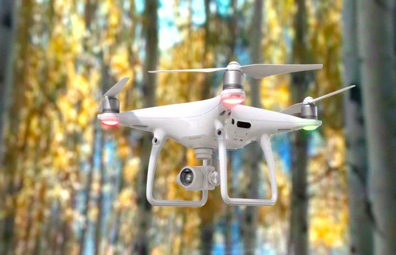 美国政府今天将全球最大无人机制造商、中国的大疆创新等数十家中国企业列入贸易黑名单。图/取自大疆官网(photo:UDN)
