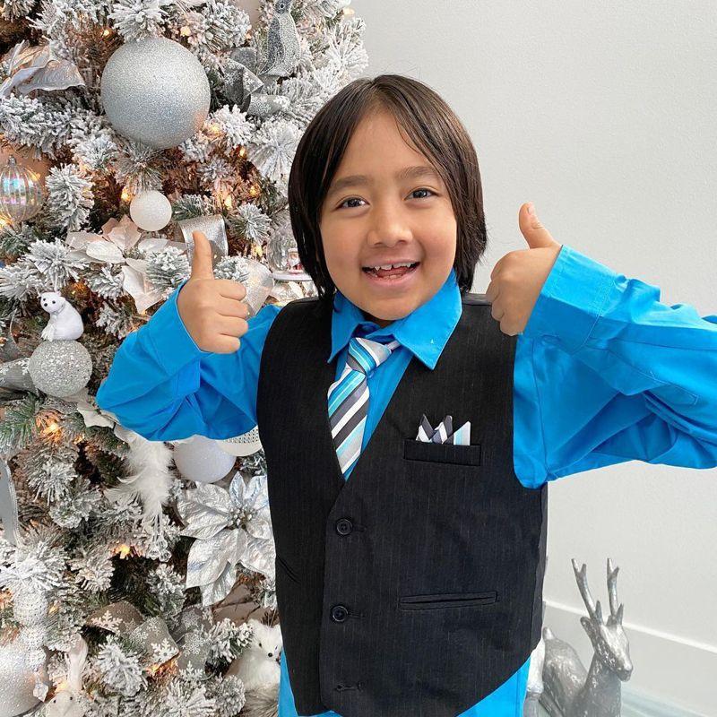 9歲的萊恩是今年收入最高的Youtuber。取自萊恩Instagram